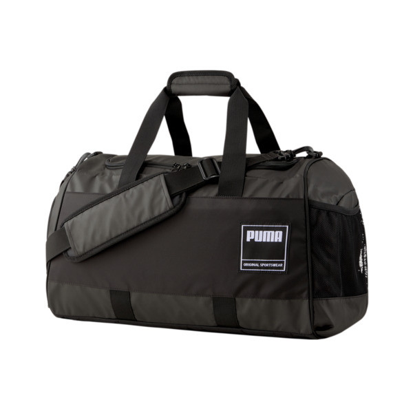 This everyday-ready duffel is ready to go that extra mile. Feature-packed and built to last, with cool colorblocking and an sleek edge, your gym style just got a major upgrade.   PUMA Medium Gym Duffel Bag in Black