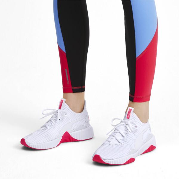 Zapatos de entrenamiento Defy para mujer, Puma White-Pink Alert, grande
