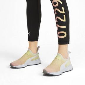 Anteprima 2 di PUMA x SELENA GOMEZ Slip-On Gradient Women's Training Shoes, YELLOW-Peach Bud-White, medio