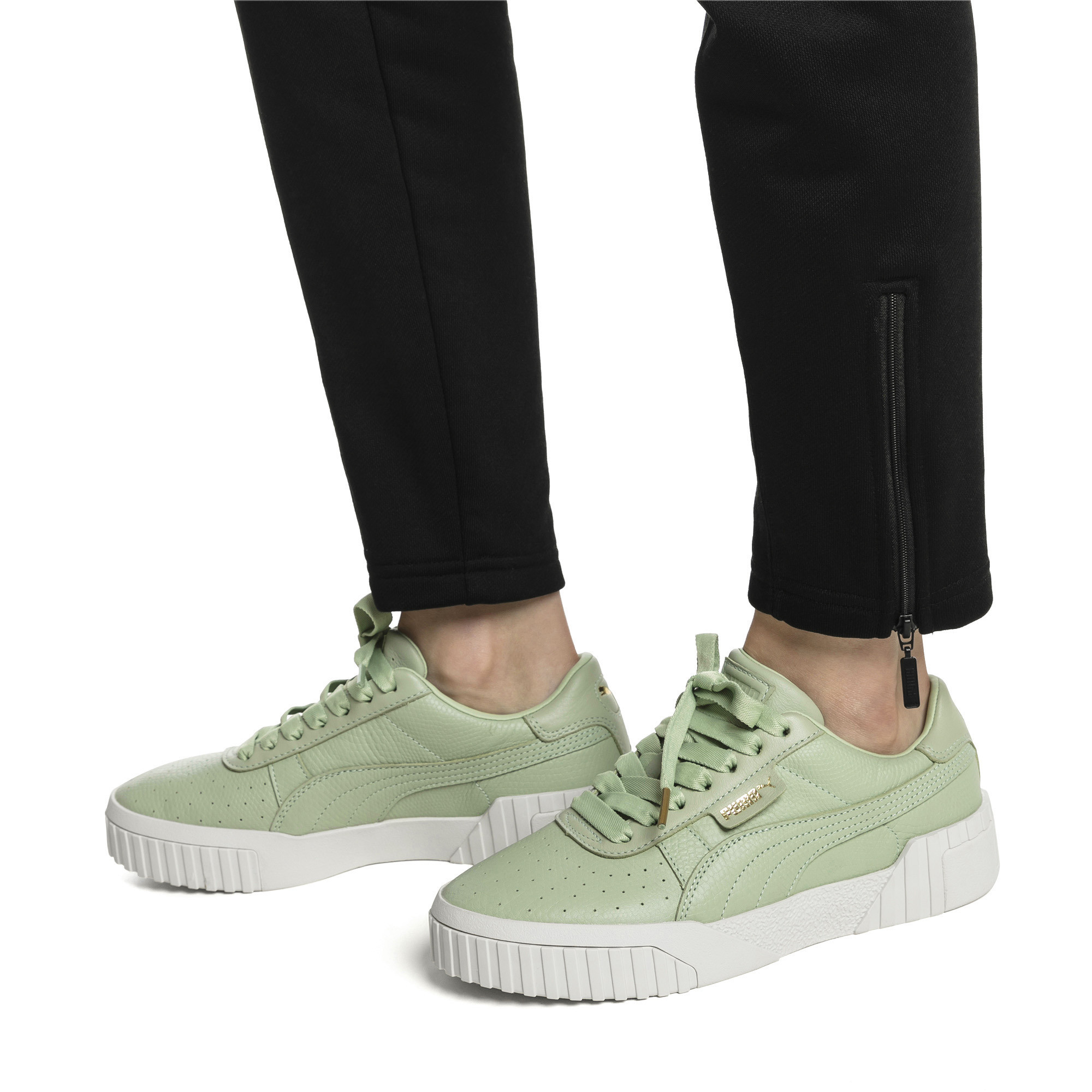 PUMA-Cali-Emboss-Women-039-s-Sneakers-Women-Shoe-Evolution thumbnail 5