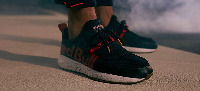 on feet shots of aa0837a9 official puma red bull racing f1